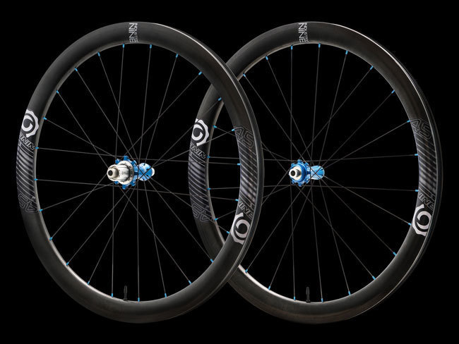 Product+-+Wheelsets+-+Road+-+i9.45+-+Color+-+24h+-+FRONT+&+REAR+PROFILE+-+On+Black_WEB.jpg